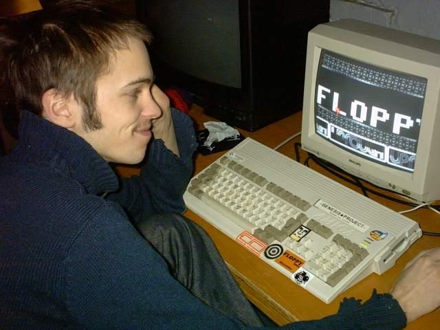 Floppy_2004_DinoAmiga1200